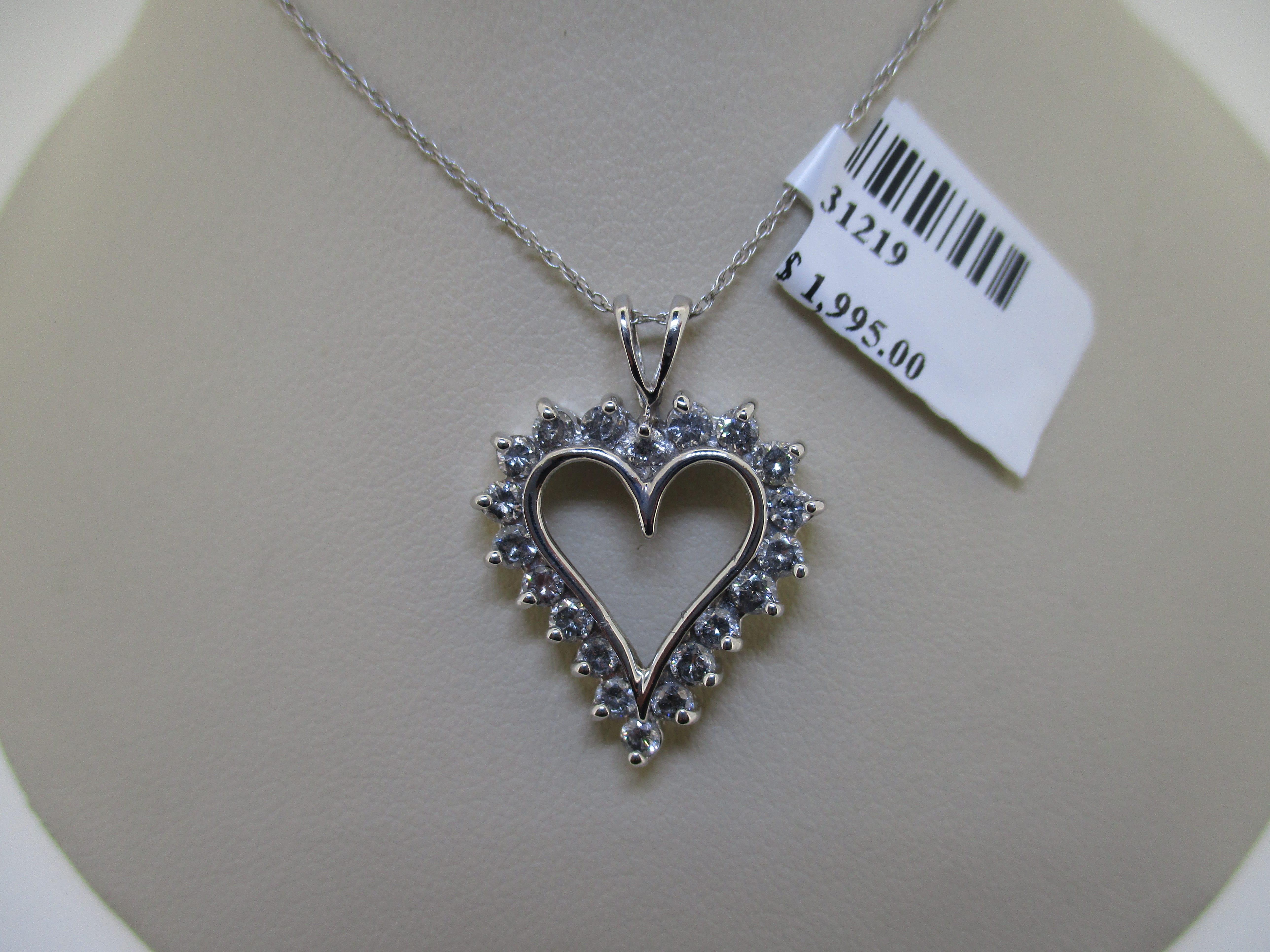 10k wg 1.00ctw dia heart shape neclace